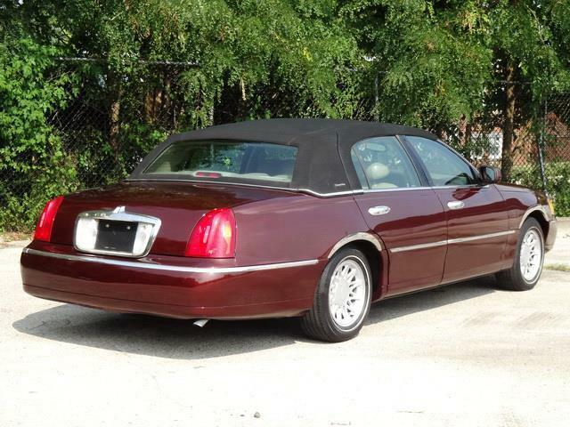 Image 7 Voiture American used Lincoln Town Car 2000