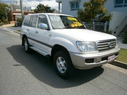 2004 Toyota Landcruiser UZJ100R GXL White 5 SPEED Manual Wagon Redcliffe Redcliffe Area Preview