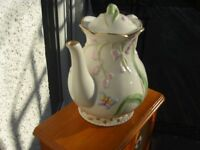 Diamonte Porcelain Teapot with diamond studs in excellent condition Beautiful Antique