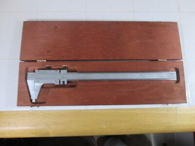 Starrett Tools Model 123 Master Venier Caliper In Wooden Case.