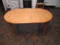 Expandable Table . H=75cm , D=90cm , W=152cm-187cm