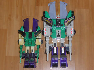 TRANSFORMERS G1 SIXSHOT UNDER-SIZED KNOCK-OFF