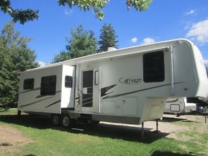 2005 Carriage 5th Wheel 33CKQ