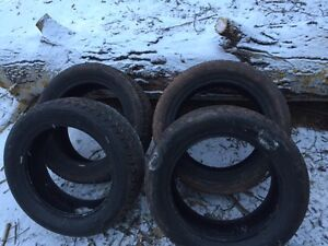 Set of 4 winter studded tires