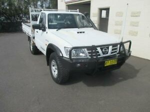 2004 Nissan Patrol GU DX (4x4) White 5 Speed 5 Sp Manual Cab Chassis Dubbo Dubbo Area Preview