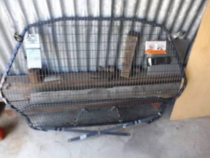 MIlford Cargo Barrier