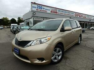 2011 Toyota Sienna LE ONE OWNER  7-PASSENGER ONTARIO VEHICLE