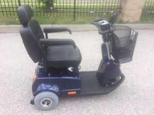 Fortress 1700DT Blue 3-wheel Mobility Scooter *LIKE NEW*