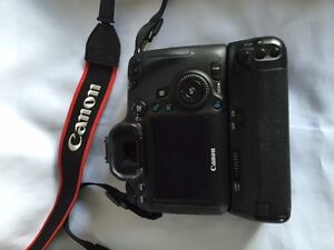 Canon EOS 6D auto camera with lenses and accessories