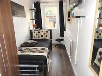 High Spec Single Room in Bow Central London E3 Zone 2 near Canary Wharf with TV WiFi Cleaner Bills
