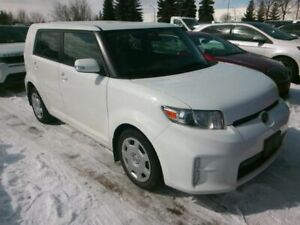 2014 Scion xB  XB~ 5 SPEED MANUAL ~ ONE OWNER ~ 117,000KMS !!!