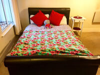 Royal Mile / City Center EH1 Spacious double room available from end of September for couple.
