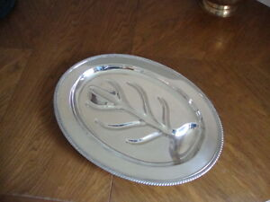 "Wm. A. ROGERS Silver Plated Meat Tray # 9294 (16-1/2"" x 12"")"