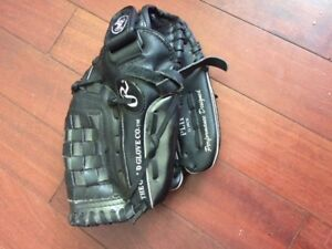 youth Rawlings Baseball glove