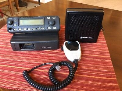 Motorola Flashport Mcs 2000 Two Way Radio M01hx822w Wspeaker Mic