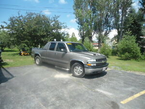 2002 Chevrolet Silverado 1500 Gray cloth Pickup Truck