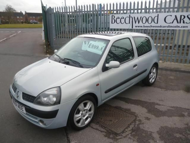 renault clio dynamique 16v 2001 petrol manual in silver in lincoln lincolnshire gumtree. Black Bedroom Furniture Sets. Home Design Ideas