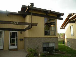 FOR RENT*OPEN CHALET STYLE TOWNHOUSE UNFURNISHED
