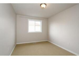 NEWER TOWNHOUSE IN  EAST GALT 3 bed 2.5 bath FERNCLIFFE ST Cambridge Kitchener Area image 10