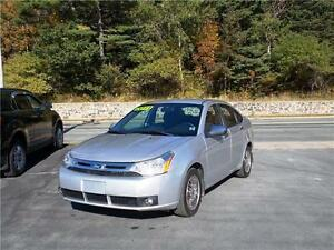 2011 FORD FOCUS...LOADED!! HEATED FRONT SEATS, BLUETOOTH & MORE!