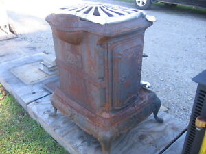 Antique Style Wood Stove  Woodstove Kitchener / Waterloo Kitchener Area image 2
