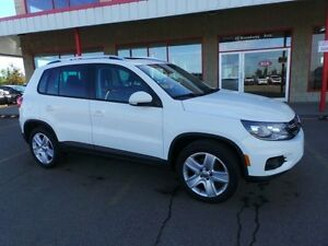2014 Volkswagen Tiguan 4 MOTION Accident Free,  Leather,  Heated