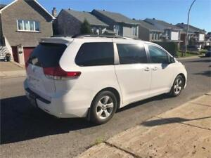 2014 toyota sienna LE-  7 passagers- MECANIC A1-  **  13 000$