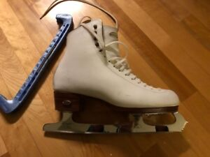 Quality Riedell Ladies Figure Skates  with John Wilson blades