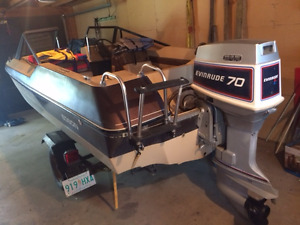 1978 Edson (open bow) Tri-Hull with trailer/ 1982 70HP Evinrude