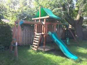 Playground / Swing Set / Playscape