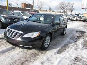 2013 Chrysler 200 Touring ONLY 103908 Kms