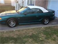 1998 Ford mustang convertible appeler au 514 817-0095