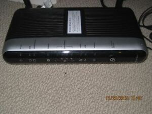 Telus modem/router,, very good condition  Actiontec,
