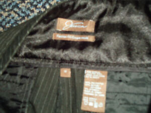 Ladies size 12 winter weight midnight navy DRESS PANTS Kingston Kingston Area image 2