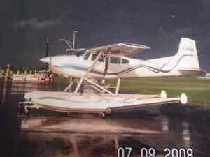 EDO 2790 Amphibious Floats - rigged for Cessna 185 aircraft
