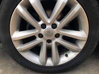 """Vauxhall SRi 17"""" alloy wheels"""