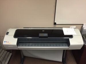 HP DesignJet T1100ps Plotter