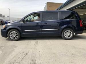 2016 Chrysler Town & Country Touring-FULL-AUTO-MAGS-CUIR