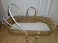 Mosses basket with mattress