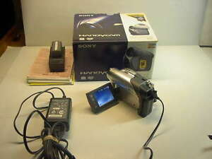 SONY HANDYCAM DCR-DVD 105 VIDEO CAMERA