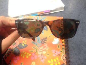 RAY-BAN Wayfarer Sunglasses 0RB2132