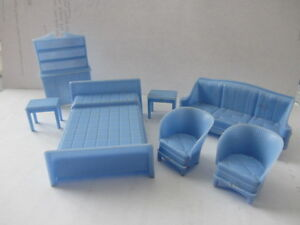 25 Pieces of Vintage Miniture Plastic Doll House Furniture -1950