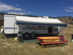 $6,000 · 27' Cherokee Travel Trailer (located on Lk Kucanusa)