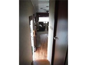 2012 Sabre 31CKTS 5th wheel Trailer- 3 slides- island kitchen Stratford Kitchener Area image 19