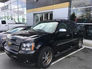2010 Chevrolet Avalanche LTZ black on black
