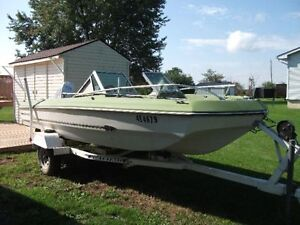 Bowrider - 16 ft with 70 HP Johnson and Easy load trailer.