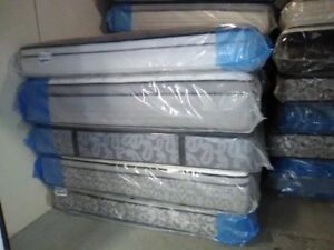 Brand NEW QUeen Size KINGSDOWN Mattress FREE BOXES This weekend
