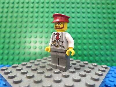 Lego Minifig: Christmas Train Ride Driver - #HOL096 - set #40262