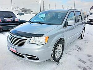 2013 Chrysler Town & Country Touring, STOW 'N GO, Back Up Cam