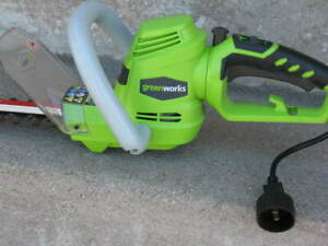 2 Electric Garden Tools: Hedge Trimmer / Grass Trimmer